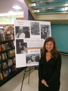 Ann Weiss speaking at Barnes and Noble,2010